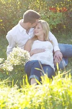 Maternity Picture Ideas with Husband | maternity photo on husbands lap | Photo Ideas by wilma