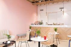 PALMA CAFÉ BOUTIQUE MONTPELLIER Nuances de couleurs et matières avec les peintures Little Greene et le Béton cirée Mercadier. Boutique For Interior Living.