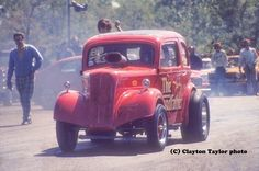 Gasser action at Connecticut Dragway