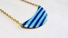 Breton stripes half moon enamel necklace | Collier breton rayé émail bleu foncé et vert d'eau par Gwenngwenn