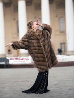 Sable Fur Coat, Mink Fur, Fendi Fur, Fur Coat Fashion, Women Wear, Street Style, Poses, Chic, Womens Fashion