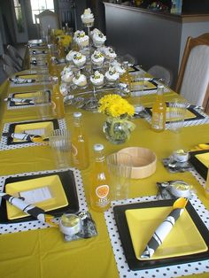 Clineffs Confections Bumble Bee Table Scape