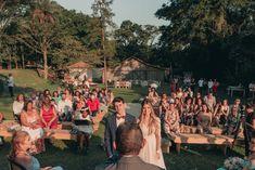 Casamento rústico ao ar livre Marry Me, Big Day, Real Weddings, Wedding Ceremony, Wedding Photos, Wedding Ideas, Dolores Park, Wedding Decorations, Sim