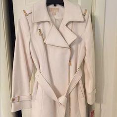 Michael Kors ivory pea coat Women's brand new, Michael Kors ivory color size 6 petite pea coat. Purchased for $275 last year. Never wore.. Michael Kors Jackets & Coats Pea Coats