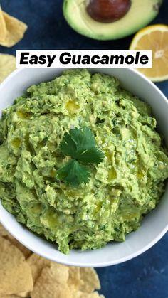 Herb Recipes, Veggie Recipes, Mexican Food Recipes, Whole Food Recipes, Cooking Recipes, Guacamole Recipe Easy, Guacamole Dip, Homemade Guacamole, Healthy Eating Recipes