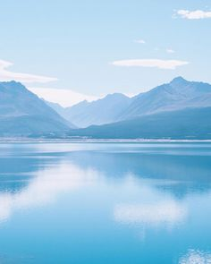 Loving the 50 shades of blue  #newzealand #lakepukaki #southernalpsnz #blue #NZmustdo #wanderlustnz