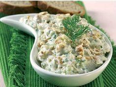 Cevizli kabak salatası Serving Plates, Serving Dishes, Veggie Recipes, Cooking Recipes, Turkish Recipes, Ethnic Recipes, Large Salad Bowl, Sweet Pastries, Marinated Chicken
