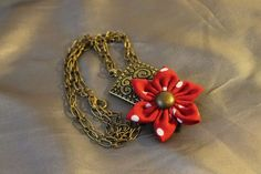 Dotted flower necklace by HappyGO https://www.facebook.com/HappyGOMakings