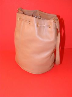 LORD & TAYLOR Bucket Bag Shoulder Bag PURSE~Light Brown/Camel - Handbags & Purses