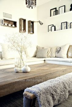 Méchant Design: OOhh look at that coffee table, fabulous.