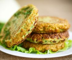 Zucchini and Provola hamburgers, fast and straightforward. The dash recipe to arrange a dish with a really low coefficient of Dash Recipe, Zucchini, Happy Vegan, Foods With Gluten, Healthy Baking, Salmon Burgers, Finger Foods, Paleo Recipes, Kids Meals
