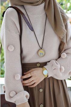 Ponponlu Kazak – Best Of Likes Share Modern Hijab Fashion, Hijab Fashion Inspiration, Modest Fashion, Look Fashion, Skirt Fashion, Fashion Outfits, Hijab Style Dress, Casual Hijab Outfit, Hijab Chic