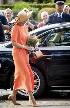 Dutch Queen, Dutch Royalty, Royal Fashion, Fashion Top, Queen Dress, Queen Maxima, Queen Of Hearts, Unique Dresses, Rey