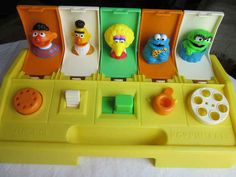 If You Were A Kid In The You HAD To Have These 27 Toys. Looks A Bit Creepy Now Your childhood was NOT complete if you didn't have any of these awesome toys growing up. Right In The Childhood, 90s Childhood, My Childhood Memories, Sweet Memories, Retro Toys, Vintage Toys, Vintage Stuff, Fraggle Rock, Cool Toys