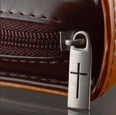 """HOLY BIBLE / BOOK COVER """"Stand firm in the Lord"""" - Zipper With A Cross Large NEW"""