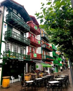 El norte de España es uno de los lugares favoritos por muchos españoles para pasar las vacaciones o unos días de desconexión. <b>Estos pueblos cuentan con un en Times Square, Travel, Norte, Vacations, Viajes, Places, Destinations, Traveling, Trips