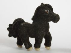 Dolly the Tennessee Walker  ~ Pony in My Pocket ~ Series 1
