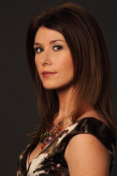 Jewel Staite is stunning, and even tho the show she's being interview from is in Canada, I'm hoping we'll see it down here too. #whedonesque