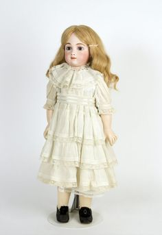 77.2637: doll | Dolls from the Early Twentieth Century | Dolls | Online Collections | The Strong