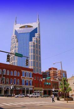 Batman Bldg - Nashville - Its amazing seeing it in the skyline   #onlyinnashville