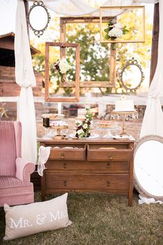 vintage dessert table #desserttable @weddingchicks