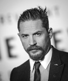 Tom Hardy - The Revenant | Premiere (Photocall) LA California, USA - December 16, 2015.