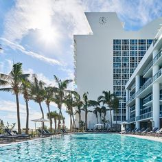 Carillon Miami Wellness Resort: An Oasis in North Miami Beach Florida Hotels, Hotels And Resorts, Best Hotels, Wellness Resort, Wellness Spa, Miami City, North Miami Beach, Art Deco Buildings, Rooftop Pool