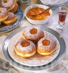 Lajos Mari konyhája - A farsangi fánkról – alaprecept Hungarian Desserts, Hungarian Recipes, Donuts, Pancakes, French Toast, Sweet Home, Cooking Recipes, Pudding, Baking