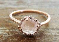 Roségoldener Ring mit Halbedelstein. Verlobungsring, Hochzeitsringe, Freundschaftsring. Bei www.thebungalow.ch