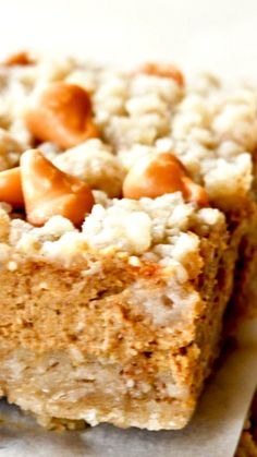 Possible dessert to bring to my friend's Thanksgiving dinner? These are delicious bars of goodness that have all the flavors of the season. The butterscotch crumb topping adds an extra layer of yumminess. Fall Desserts, Cookie Desserts, Just Desserts, Delicious Desserts, Dessert Recipes, Cookie Bars, Thanksgiving Desserts, Bar Cookies, Pumpkin Pie Bars