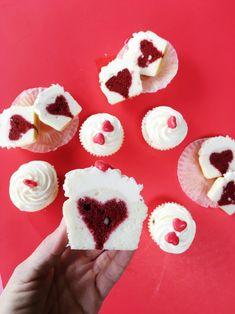 How to Bake a Heart Inside a Cupcake   heart cupcake tutorial   heart cupcake recipes   Valentine's Day cupcake recipes   easy cupcake tutorials   heart inspired dessert recipes    JennyCookies.com #heartcupcakes #valentinesday #caketips