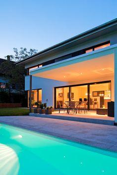 Einfamilienhaus# Satteins# Massivbau# Pool# modernes Einfamlienhaus# design Haus# mit pool# Wohndesign Dream House Exterior, Tiny House, Pergola, Mansions, House Styles, Outdoor Decor, Instagram, Home Decor, Pools