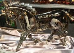 Sewing Machine Singer Horse Sculpture - Hand made Singer sewing machine horse made from sewing machine parts, spoons, nuts, bolts, and screws. Signed by the artist. Sewing Machines Best, Antique Sewing Machines, Metal Art Sculpture, Horse Sculpture, Sculpture Ideas, Metal Sculptures, Metal Yard Art, Scrap Metal Art, Metal Art Projects