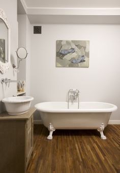 bathroom with feestanding clawfoot bathtub, freestanding bathtub, wodden floor in bathroom, retro bathroom, retro bathtub, Kerasan retro