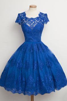 Petits Fours - Beautiful party dress! The color is perfect.