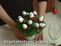 How to make a Chocolate Dipped Strawberry Bouquet video