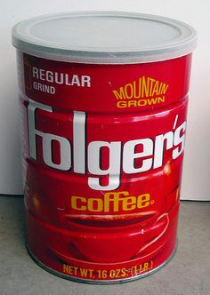 Mountain Grown Folgers coffee can Folgers Coffee, Coffee Jars, Vintage Packaging, Vintage Labels, Life In The 70s, Procter And Gamble, Retro Recipes, Beverage Packaging, Non Alcoholic Drinks
