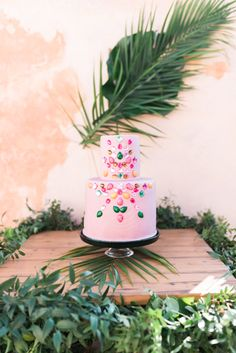 Au Bon Vieux Temps: An Inspirational Wedding Shoot in Santorini Creative Wedding Cakes, Amazing Wedding Cakes, Bridal Shoot, Wedding Shoot, Groom Shoes, White Wedding Gowns, Santorini Wedding, Wedding Inspiration, Wedding Ideas