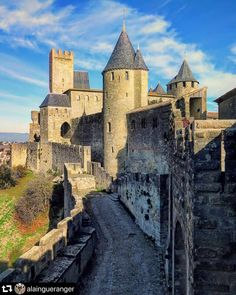 """Castles and Palaces on Instagram: """"A wall running with 52 towers running for 3kms - what is it? It is the Carcassonne fortress, one of the architectural gems of France's…"""" Medieval Fortress, Medieval Castle, Beautiful Castles, Beautiful Buildings, Places Around The World, Around The Worlds, Places To Travel, Places To Go, Chateau Medieval"""