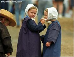 two_amish_girls_randall_persing_pho.jpg 450×350 pixels