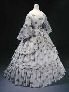 1864 summer dress - From Musee Galliera