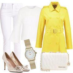 Look pieno di energia con il trench giallo dotato di cintura in vita, abbinato a pantaloni bianchi skinny e camicetta in puro cotone e seta. Le décolleté color oro, hanno punta e tacco a spillo e la borsa a tracolla, in bianco ottico, ha finiture dorate. Completa l'outfit l'orologio in acciaio color oro.