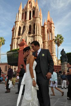 congratulations to erika & stephen on their recent nuptials in the colonial town of san miguel de allende, mexico!