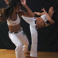 Capoeira Game, women
