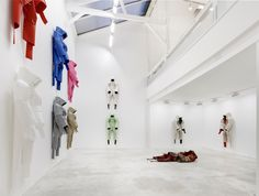 didier faustino 'we can't go home again' // didier faustino constructs human-like figurines from carpet
