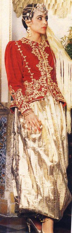 Quel tissu pour le pantalon du karakou - forum mode traditionnelle et haute couture High Fashion, Womens Fashion, Madame, Traditional Outfits, Sari, Style Inspiration, Beauty, Dresses, Culture