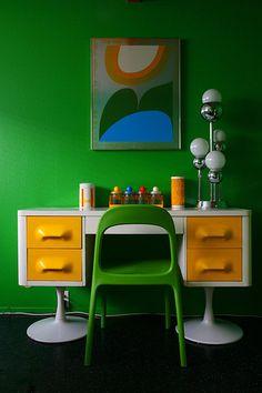 Retro desk - photo by Jessica Nicole on Retro Desk, Retro Room, Home Office Inspiration, Vintage Furniture, Furniture Design, Vintage Lamps, Retro Home Decor, 50s Decor, Vintage Design