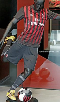 AC Milan home 2016-17 Soccer Shirts, Ac Milan, Sports, Tops, Fashion, Hs Sports, Moda, Football Shirts, Fashion Styles