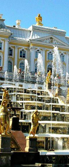 beautiful palace waterworks Beautiful Castles, Beautiful World, Beautiful Places, St Pétersbourg Rússie, Zar Nikolaus Ii, Places Around The World, Around The Worlds, Places To Travel, Places To Visit