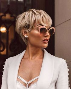 Idée Tendance Coupe & Coiffure Femme 2017/ 2018 : This Pin was discovered by Nic |